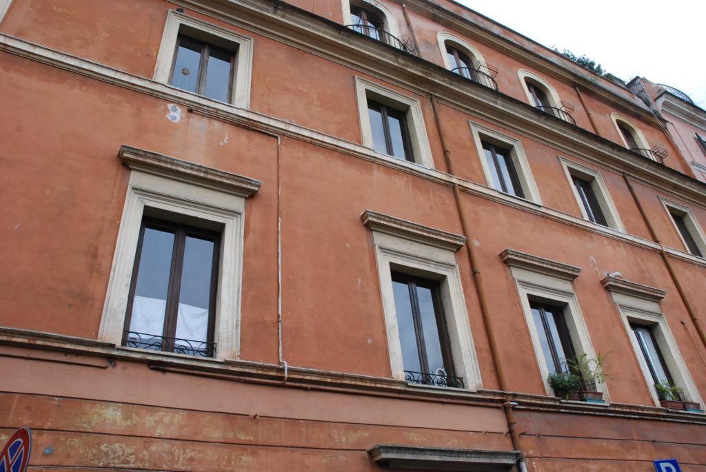 Appartamento in affitto a roma trastevere orti d 39 alibert for Affitto uffici roma trastevere