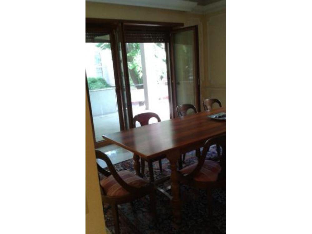 Appartamento in affitto a roma eur rif 906 volpe for Affitto ufficio eur roma