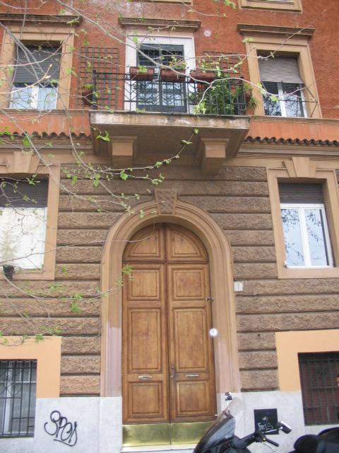 Appartamento in affitto a roma trastevere ippolito nievo for Affitto uffici roma trastevere